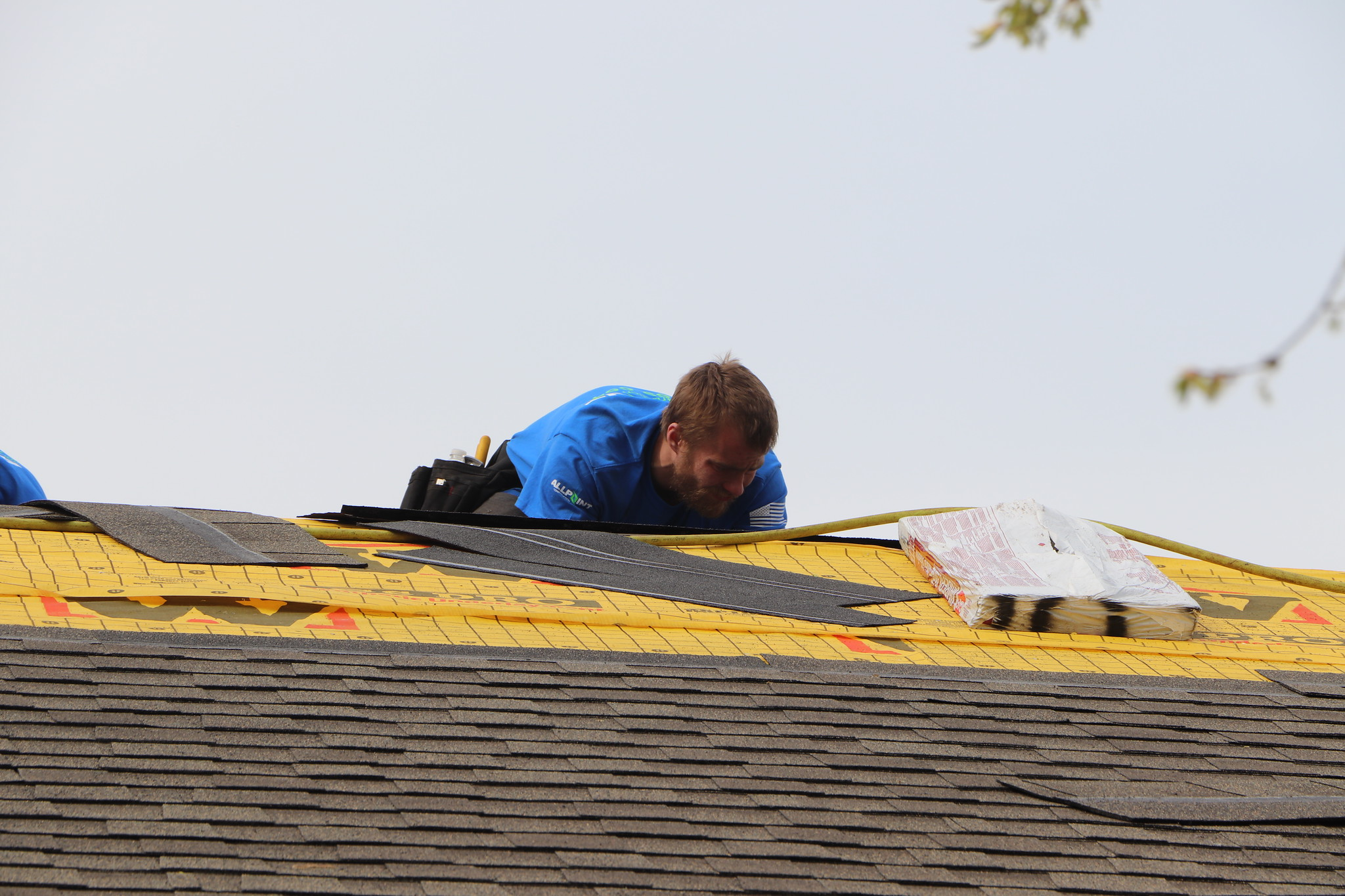 15 Signs You Need a Roof Replacement in Canton, Michigan