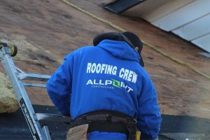 MI Roof Replacement Hiring a Contractor