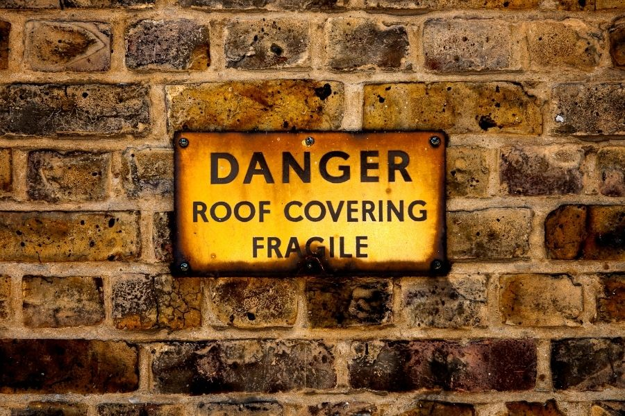 Don't Attempt Your Own Roof Repairs in Canton Michigan. Here's Why